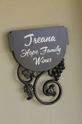 Treana Hope Family Wines