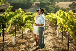 Couple in vineyard travelpaso.com